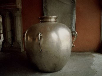 Silver urn used by the Maharaja Sawai Madho Singh to carry water from the Ganges to England.